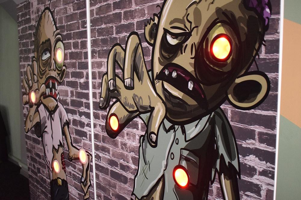 интерактивный аттракцион лазертаг тир Zombie Shooter
