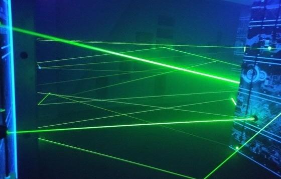 Лазерный лабиринт под ключ